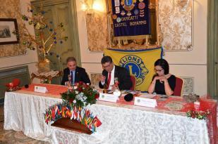 tavolo-della-presidenza-con-garufo-vella-e-cannarozzo