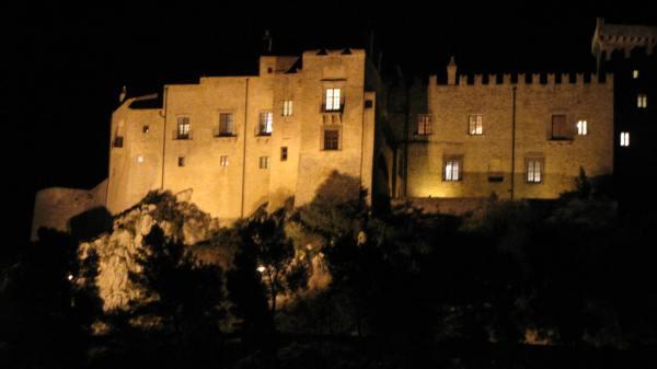 castello_carini_notte_canon_001